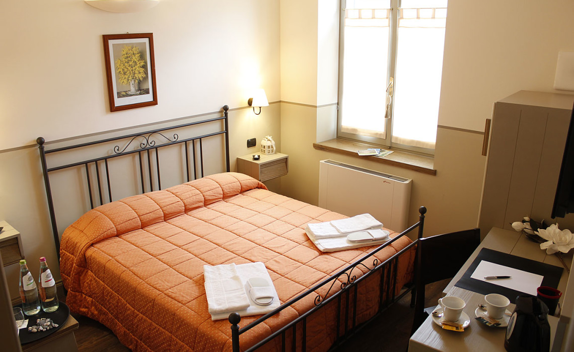 Hotel Norcia room